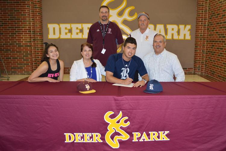 Garcia signing